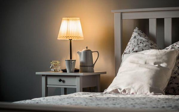 Levný dvoulůžkový pokoj s manželskou postelí2