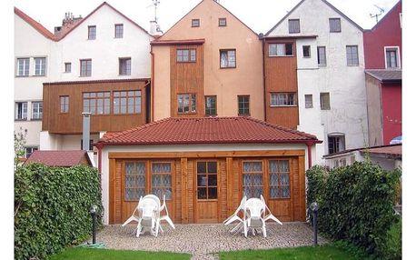 Pardubice: Penzion 102