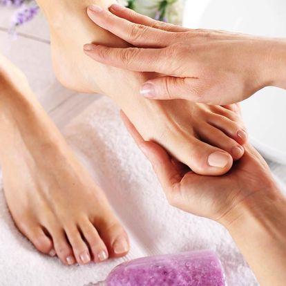 Péče o nohy: mokrá SPA pedikúra včetně gel laku