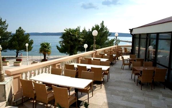 Hotel KAŠTEL, Chorvatsko, Kvarner, Crikvenica, Kvarner, autobusem, polopenze3