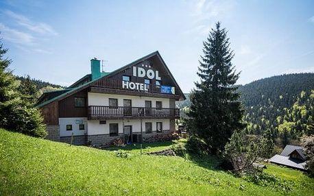 Krkonoše na jaře a v létě: Wellness Hotel Idol *** s polopenzí + solná wellness