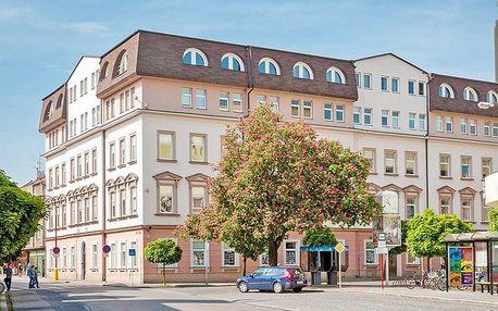 Lázně Poděbrady v hotelu v centru s polopenzí, vínem a půjčením Nordic walking holí