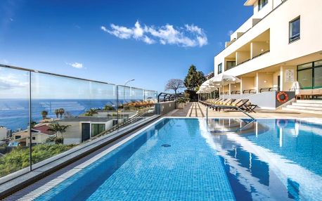 Madeira - Funchal na 8 dní, snídaně nebo polopenze s dopravou letecky z Katowic, Funchal