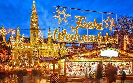 Vídeň: Celodenní výlet na vánoční trhy pro JEDNOHO