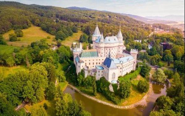 Lázeňské Bojnice u zámku v hotelu Regia - CELOROČNĚ! Pobyt s polopenzí i wellness