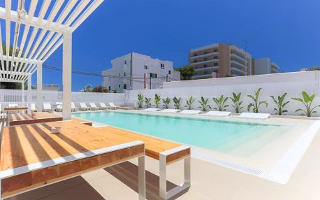Ibiza: White Apartments