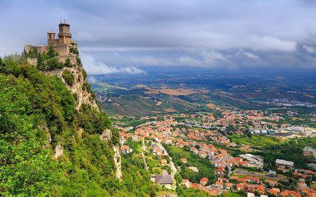Koupání v Rimini a historické San Marino, Emilia-Romagna