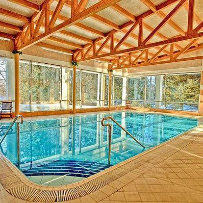 Mariánské Lázně v hotelu se snídaní nebo polopenzí a neomezeným vstupem do bazénu – termíny až do října 2020