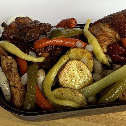 Pekáč plný masových dobrot pro 2-6 jedlíků