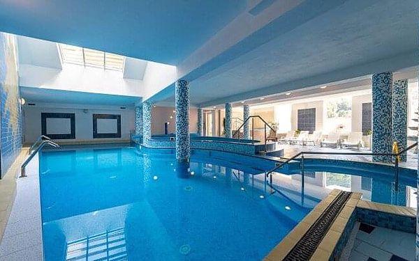 Trenčianske Teplice ve Vile Anna **** s polopenzí, wellness a bazénem Grand