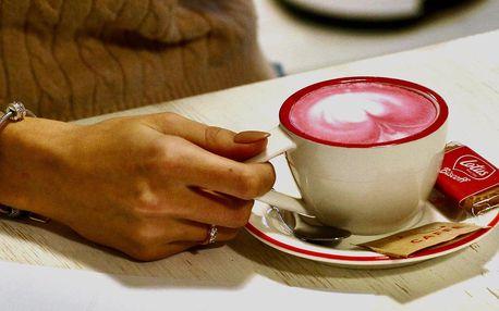 Teplý nápoj podle výběru i zákusek pro 1 či 2