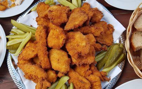 1 nebo 2 kg šťavnatých řízků s pečivem i okurkami