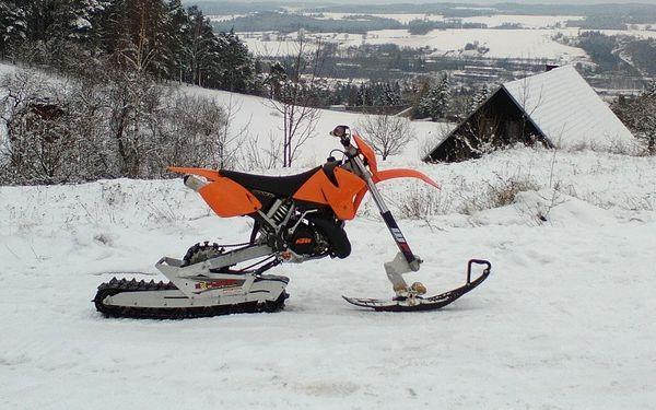15 či 30 min. jízdy na sněhu s KTM 300 EXC
