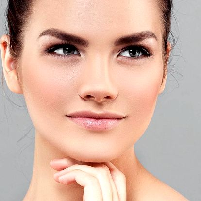 Komplet péče pro pleť: kosmetika i úprava obočí