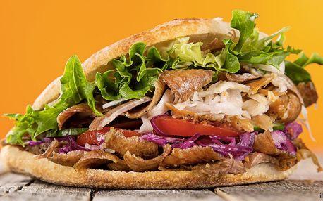 Kebab se sýrem v tureckém chlebu pro 2 osoby