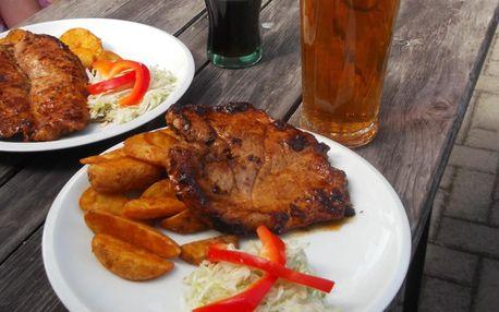 Steak z krkovice či kuřecího a pivo nebo nealko