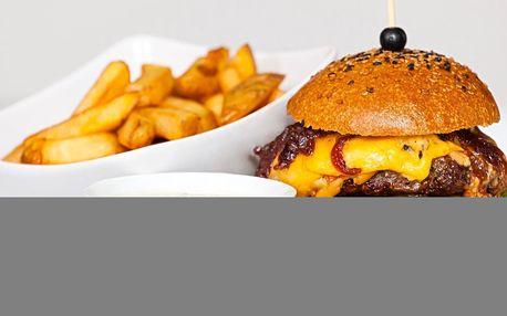 Nabušený burger s hranolky a tatarkou i pro 2 vč. napoje