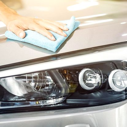 Servis klimatizace i ruční čištění vozidla