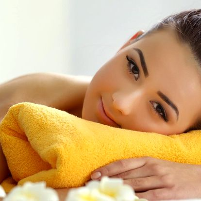 Lék na bolavá záda i nohy: výběr ze 4 masáží