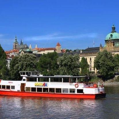 Zimní či jarní vyhlídková plavba po Vltavě s možností rautu a živé hudby
