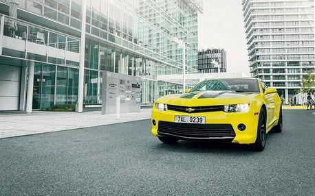 Superjízda ve žlutém Chevroletu Camaro Bumblebee včetně paliva
