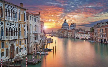 Slavný karneval v italských Benátkách