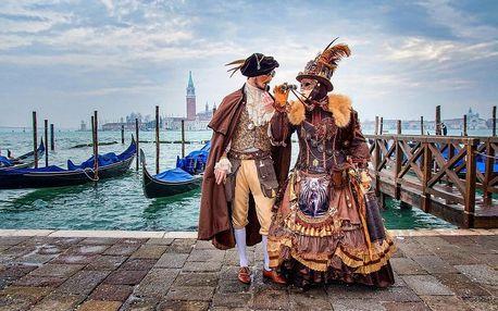 Tradiční karneval v italských Benátkách