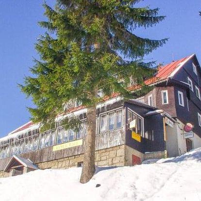 Krkonoše jen 2 km od sjezdovky v Horském Hotelu Flora s polopenzí