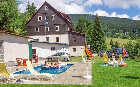 Krkonoše u Špindlerova Mlýna v Horském Hotelu Flora s venkovním bazénem a polopenzí