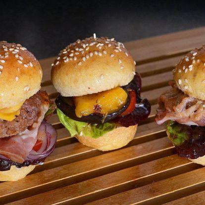 Miniburgery podle výběru a hranolky s sebou