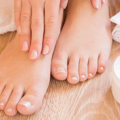 Pedikérské ošetření s peelingem i masáží chodidel