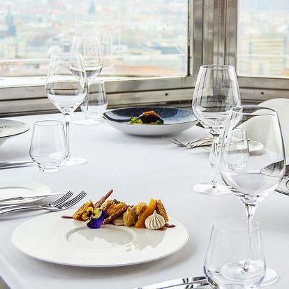 5chodové valentýnské menu na Žižkovské věži pro pár