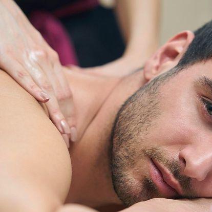 Relaxace pro muže: masáž, lázeň nohou a vychlazené pivo