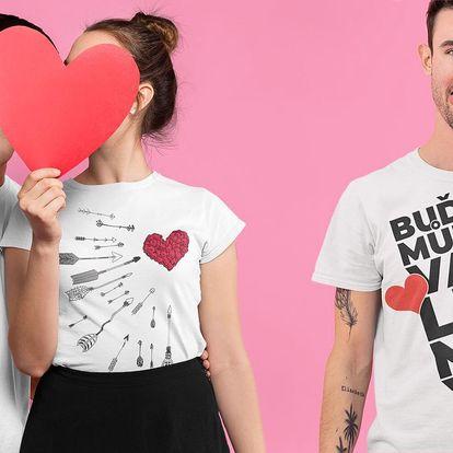 Valentýnská trička se zamilovanými motivy