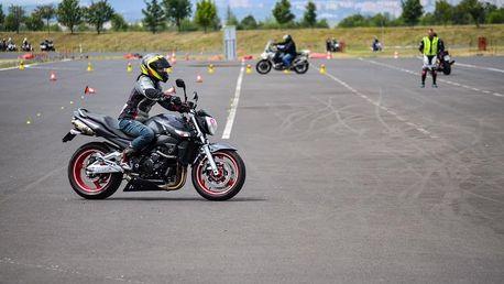 Kurz bezpečné jízdy pro motorky