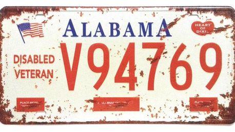 Cedule s imitací americké poznávací značky jako originální dekorace