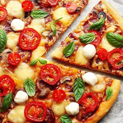 Pizza dle výběru: 40 cm nebo 2 pizzy průměr 32 cm