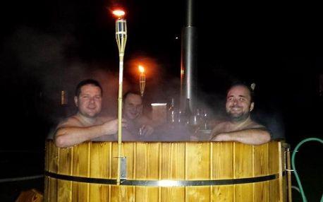 Mobilní párty sud s vířivkou a alkoholem