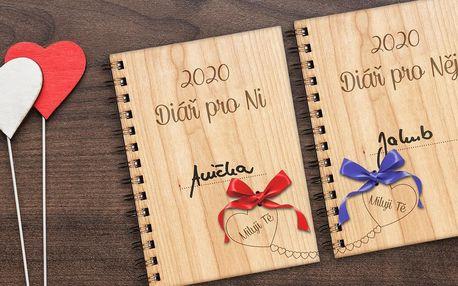 Valentýnský set: dřevěné diáře či zápisníky pro pár