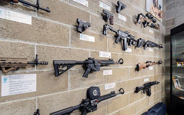 3 zbraně, 35 nábojů a 9 na nástřel pro 1 osobu3