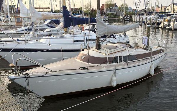 Pronájem jachty Štír, RA Cruiser nebo Jeanneau Flirt na 1 den (bez průkazu VMP)2