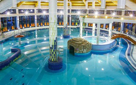 Bazénový svět s termální vodou i vstup do saun