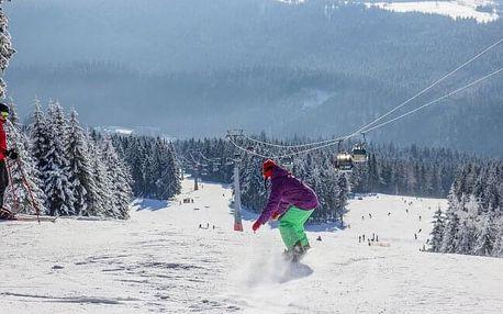 Krkonoše: Dvorská Bouda s polopenzí a saunou mezi skiareály a u běžeckých tratí