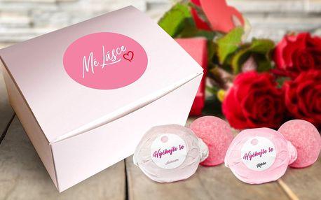 Pro romantickou koupel: šumivé koule, jahoda i růže