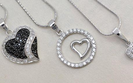 Krystalická láska: stříbrné přívěsky s kamínky