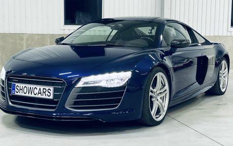 Rozpalte to při jízdě v Audi R8 V10 PLUS přímo v Praze