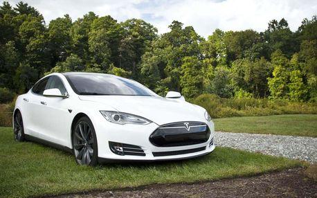 Projeďte se v limuzíně s duší supersportu: Jízda v Tesla Model S