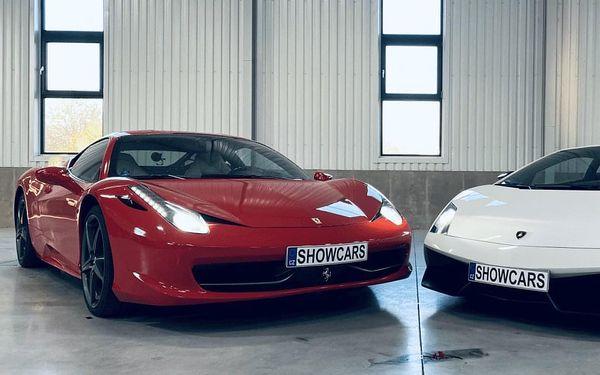 2 luxusní sporťáky: Lamborghini vs. Ferrari3
