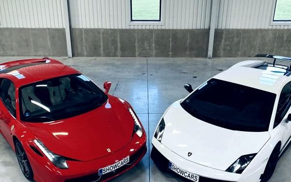2 luxusní sporťáky: Lamborghini vs. Ferrari4