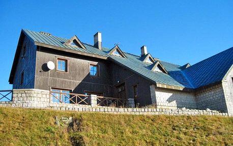 Krkonoše v horské chatě nedaleko Sněžky se vstupem do sauny a polopenzí